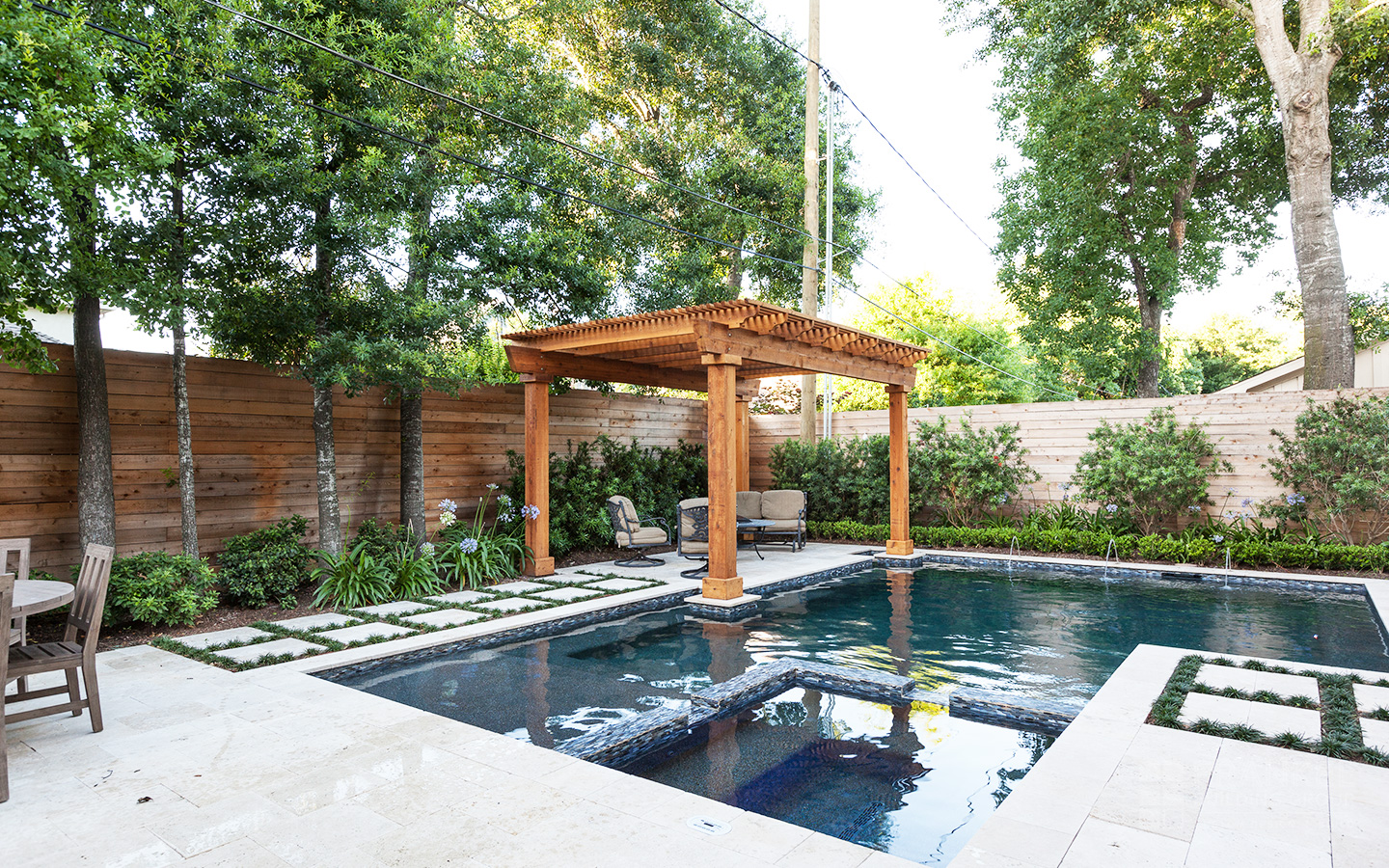 Bellaire Transitional backyard and pool