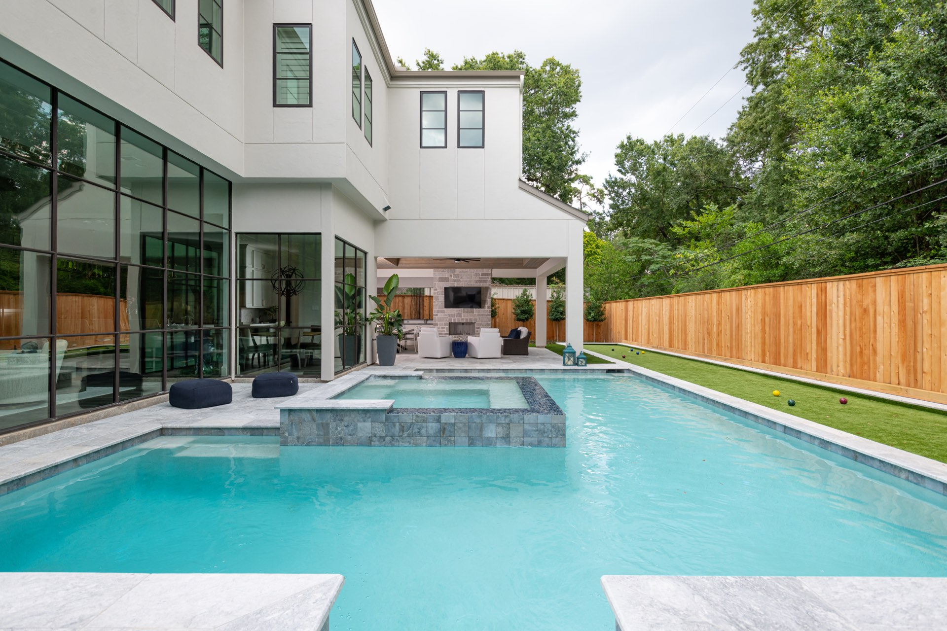 An Avea custom pool is ready to be used by guests.
