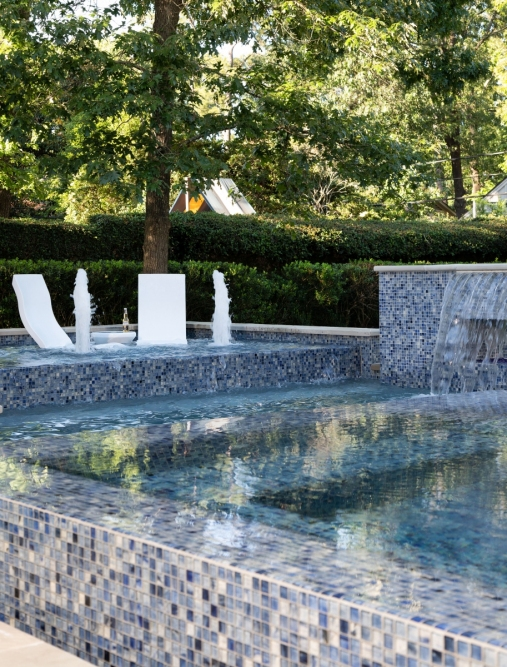 Pool-Fountains-Chairs-WEB-WP